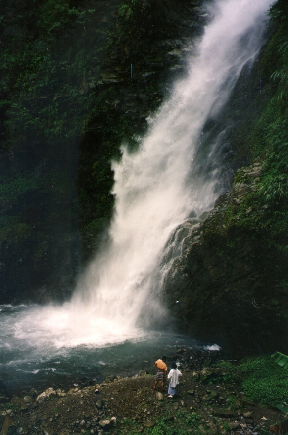 Twin Dragon Waterfall in Nantou County is magnificent during the rainy season