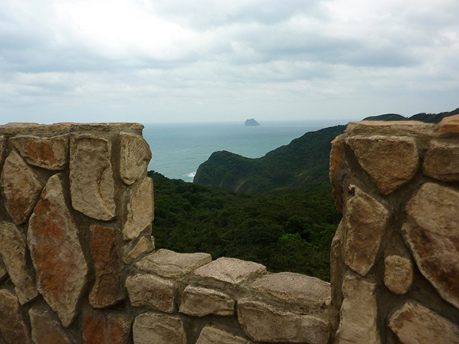 ...and the fine view from it, over the wooded coastal hills west of Keelung city center