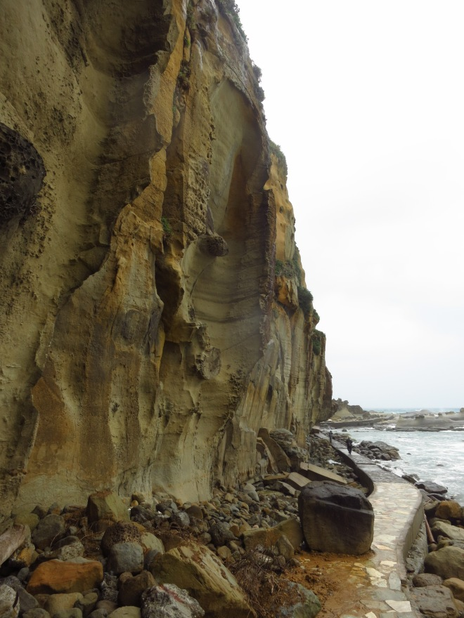 ...and the fine sandstone cliffs