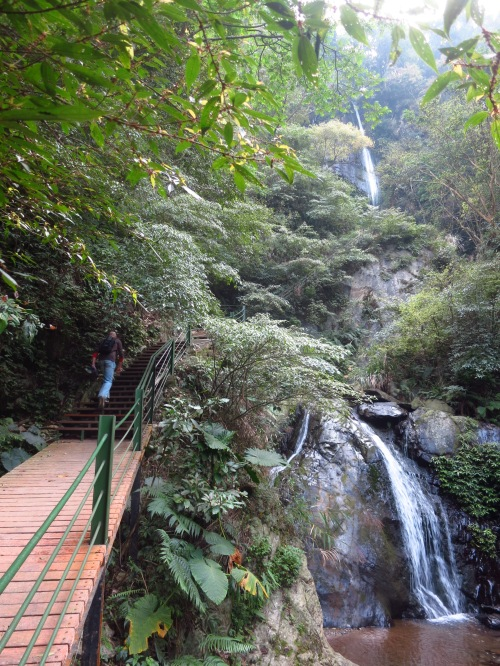 Approaching Guanyin Waterfall