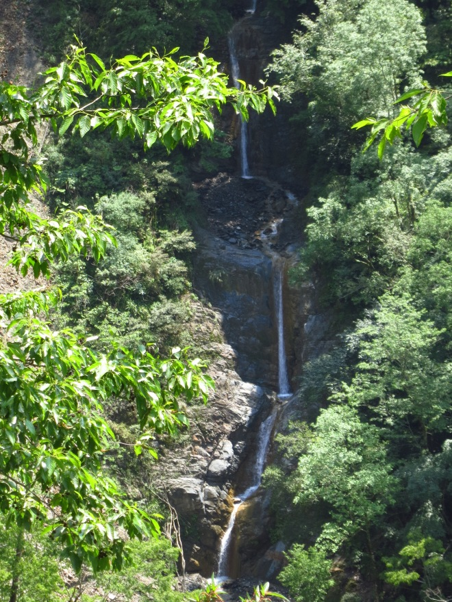 Yinu Waterfall plunges in a long series of small falls and is said to have the longest sequence of connected falls of any waterfall in Taiwan