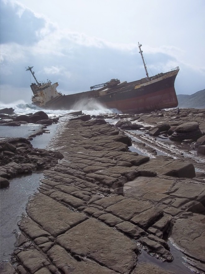 Shipwreck on the Chufengbi Coast Hike, Pingdong County