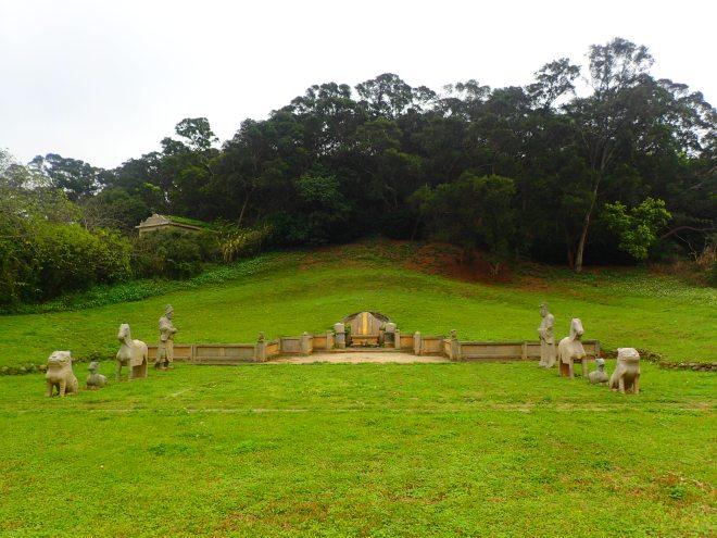 Zheng Yong-xi Tomb, just south of Hsinchu City
