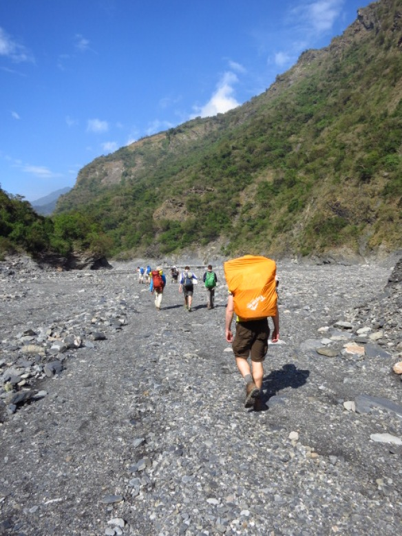 Hiking back from Jiuhaocha aboriginal village, Pingtung County