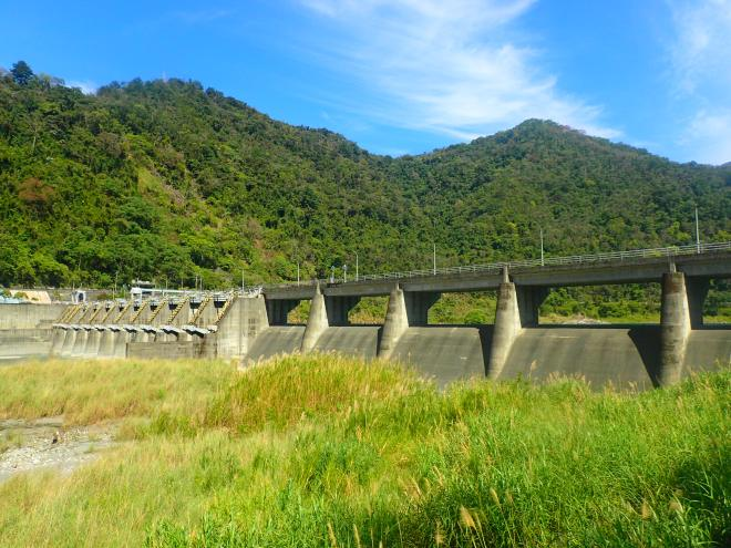 The main trailhead for Mt Baimao is the Ma-anba dam, beside route eight,