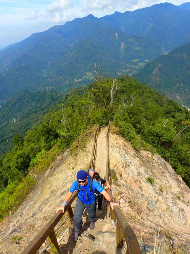 The impressive narrow ridge just below the summit of Mount Baimao