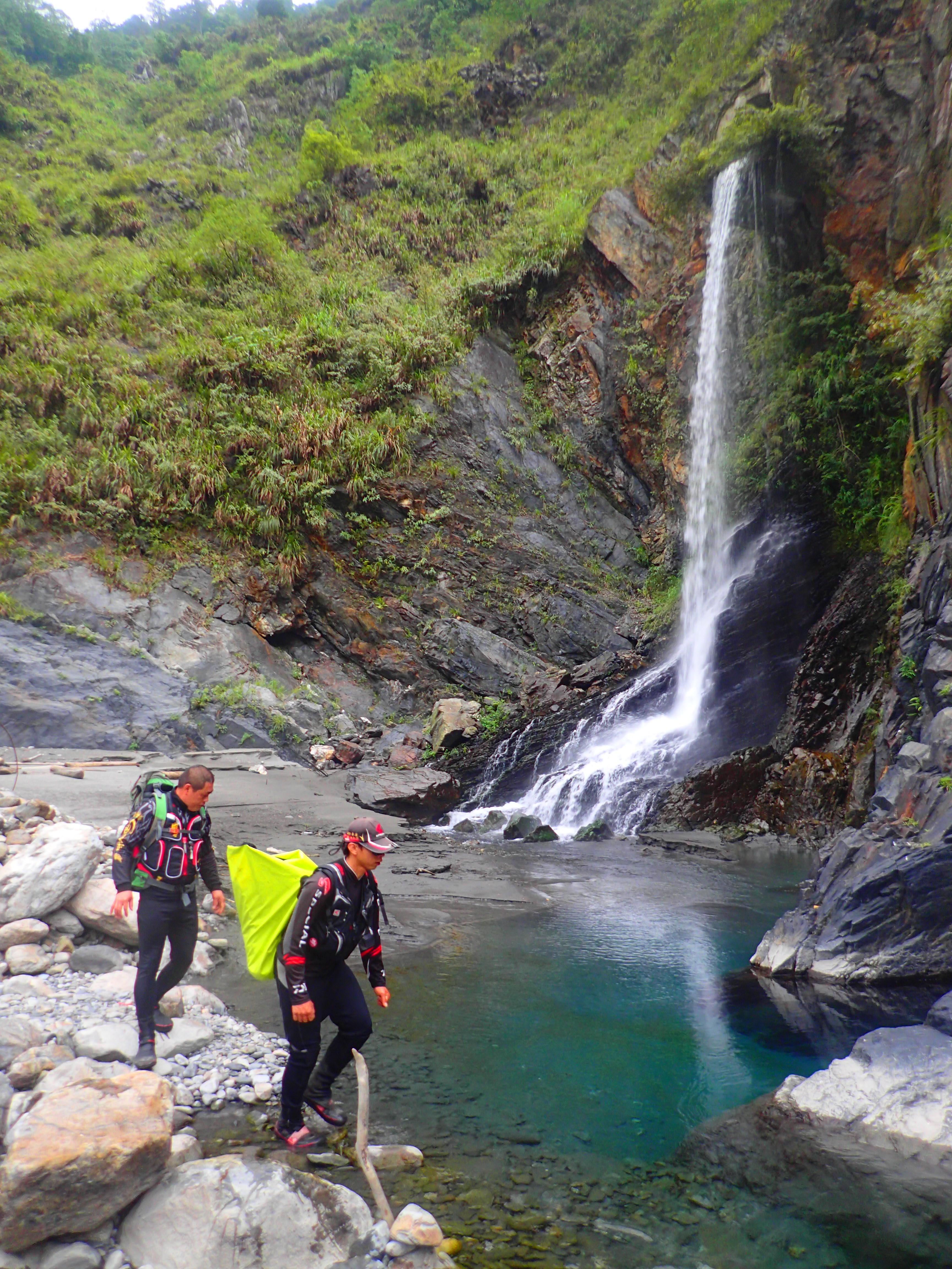 Taiwan S Wild Hot Springs Ii The Central Cross Island