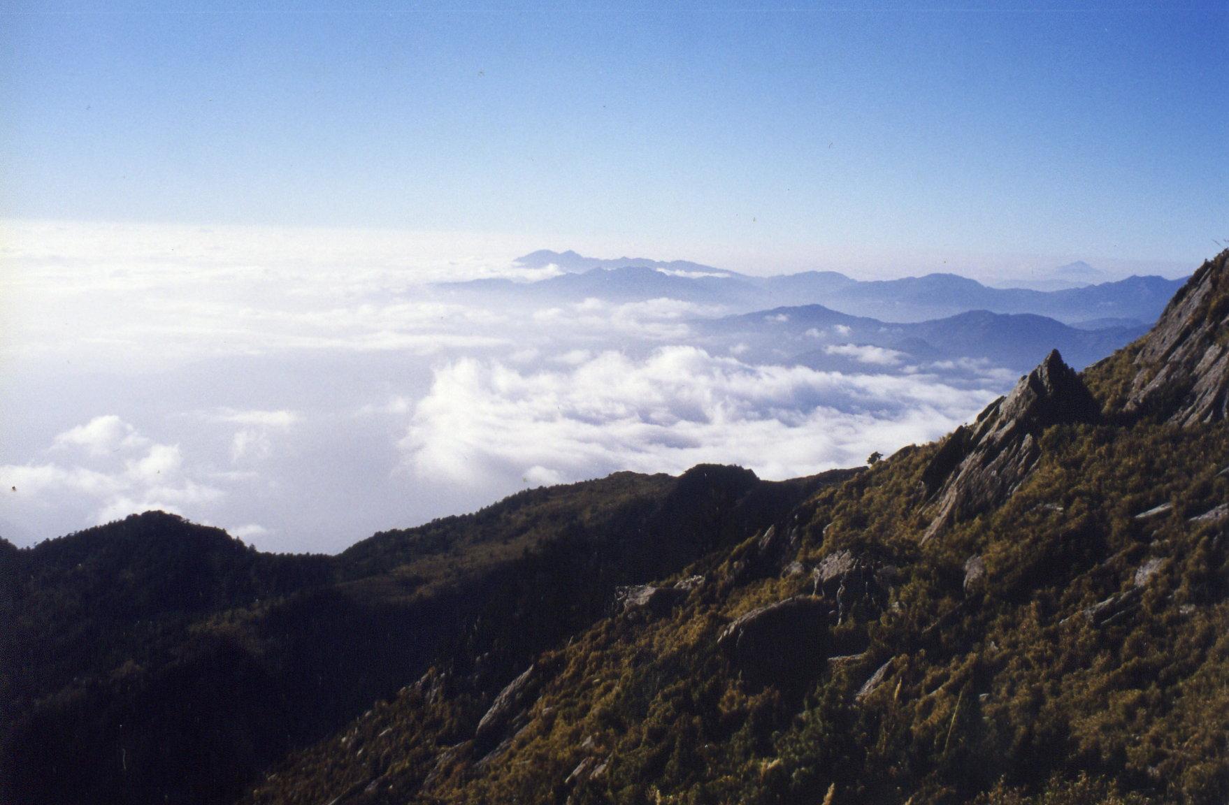 view-near-xiang-yang-shan-near-jia-ming-lake-pingdong